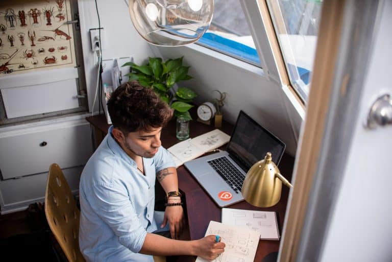WHY SHOULD YOU HIRE A FREELANCER WHEN WORKING ON YOUR WORDPRESS SITE?